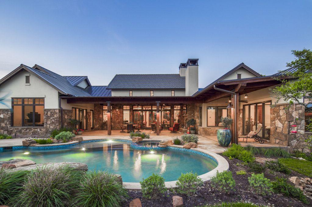 Texas Farmhouse 1 Story Geschke Texas Farmhouse Texas Hill Country House Plans Hill Country Homes