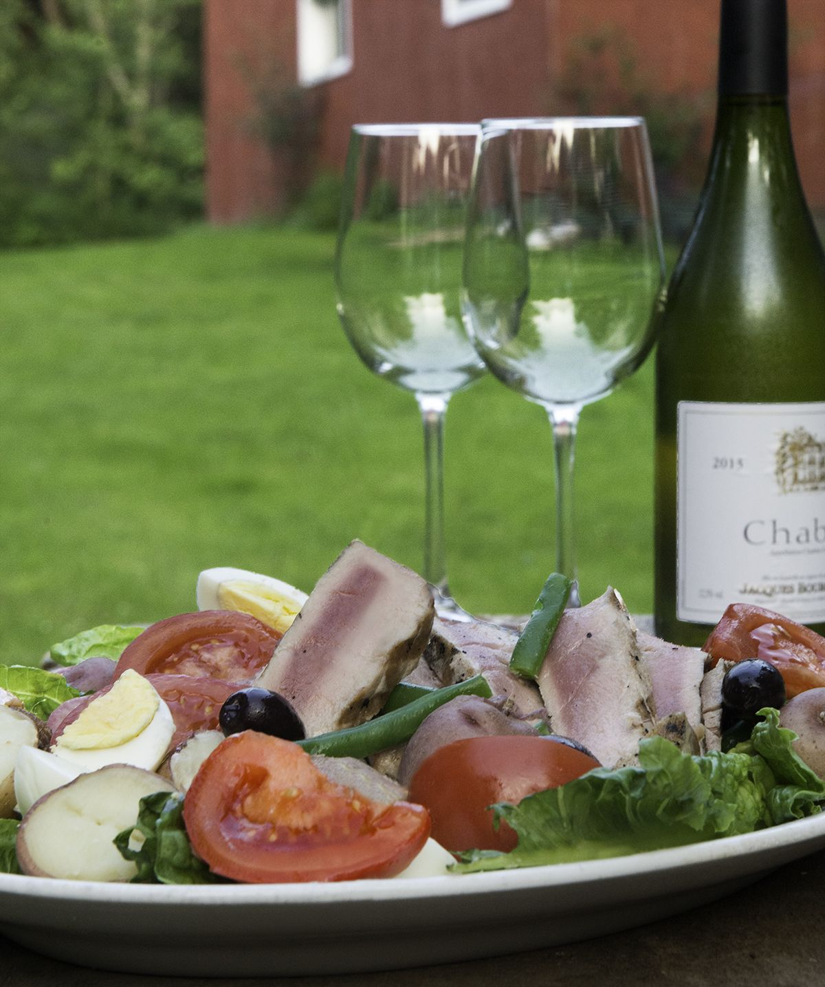 Salade Nicoise: A classic dish for a summer evening
