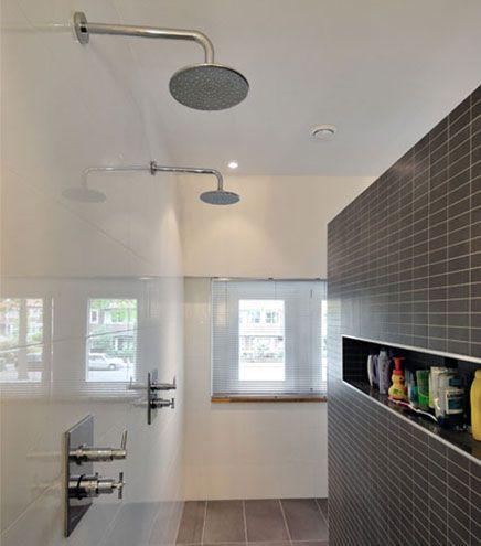 Moderne badkamer met praktische indeling badkamer for Praktische indeling huis