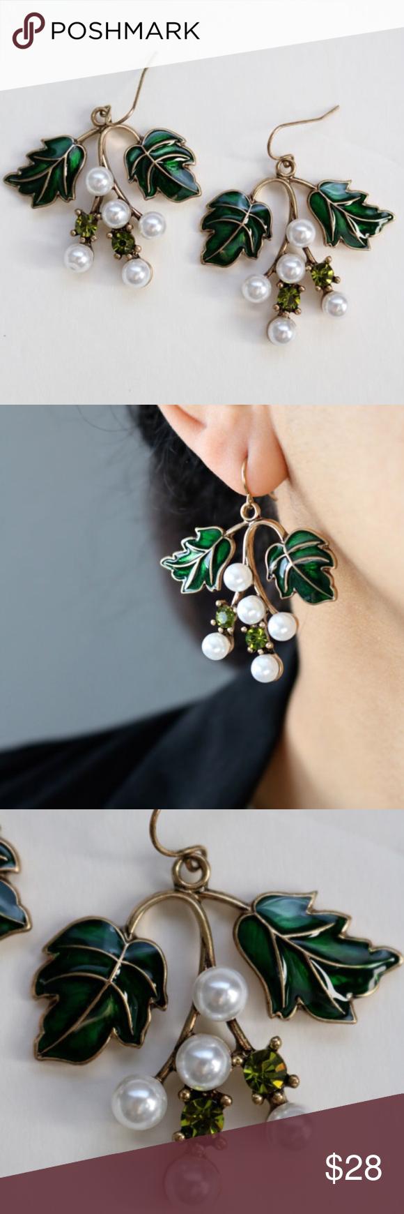"Antique gold Green Leaf Drop Earrings. Green Leaf Drop Earrings.  Lenght: 1.8"" X 1.6"" Jewelry Earrings"