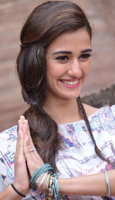 Disha Patani cute smile ,Namaste is part of Disha patani -