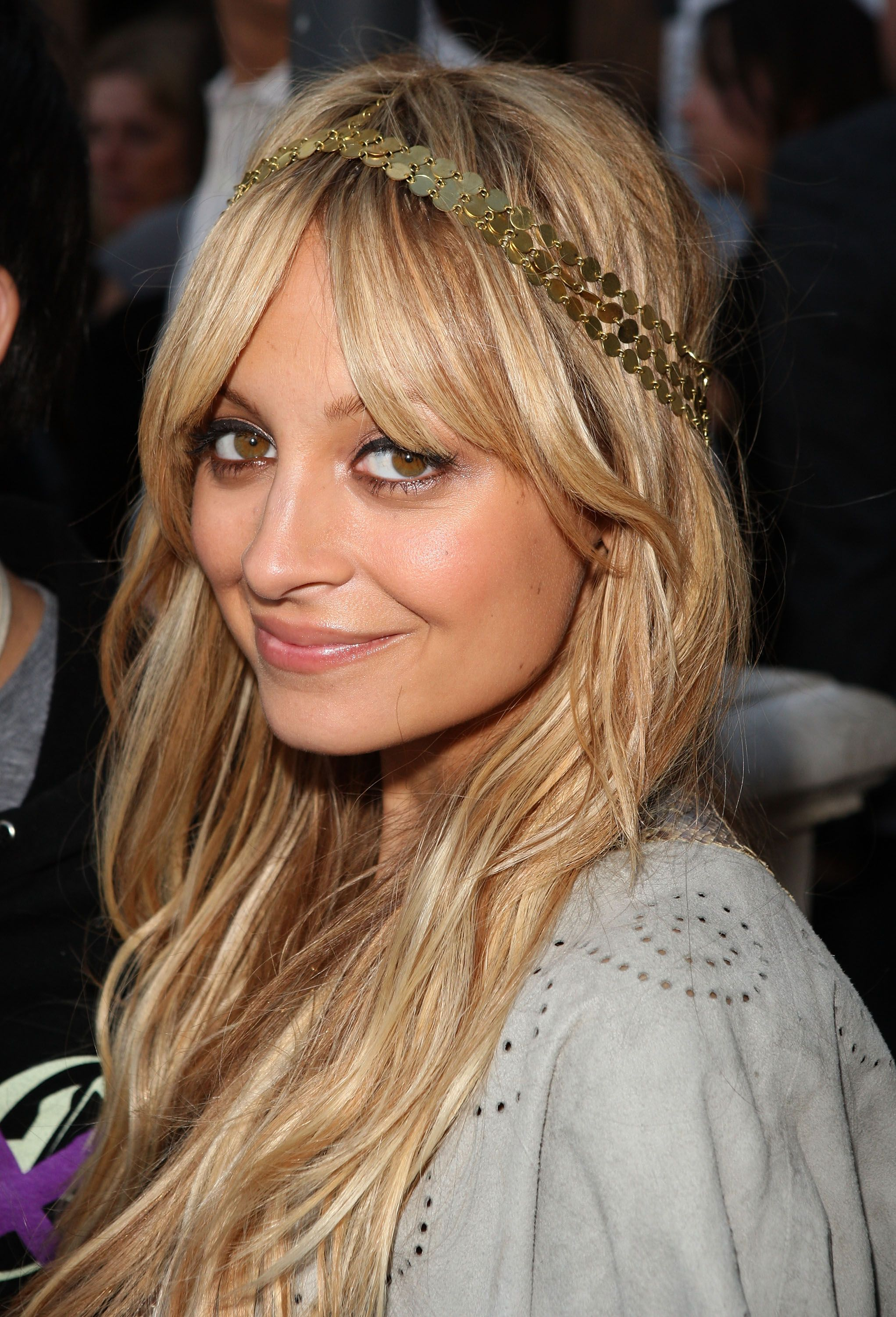 30 celebrity-inspired ways to wear a headband that won't give you