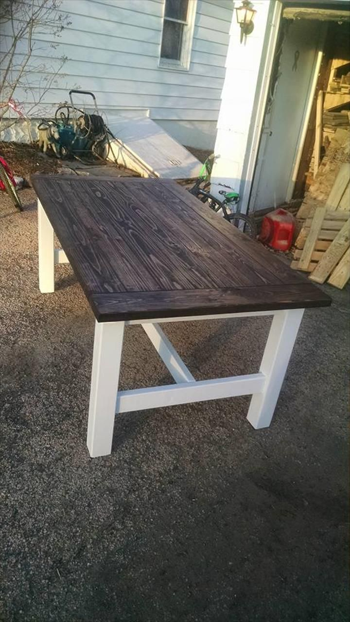 DIY Antique Style Pallet Coffee Table