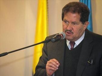 Arias debe acudir y acatar la justicia: Angelino Garzón | 20140717