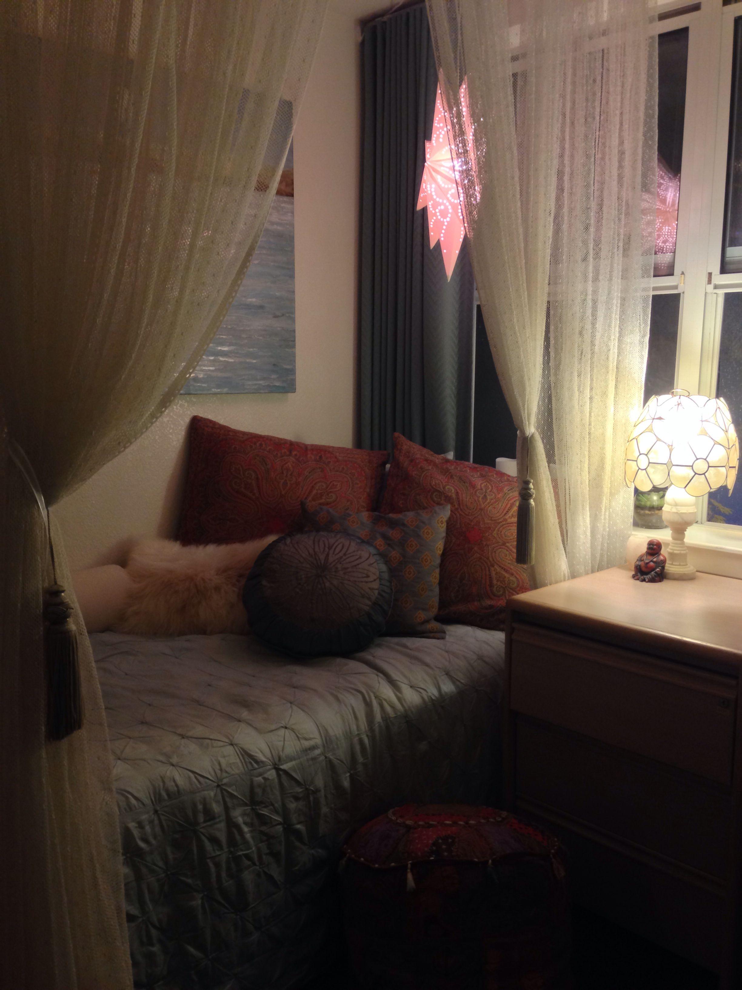 Dream Dorm Room: Cool Dorm Rooms, College Apartment Decor