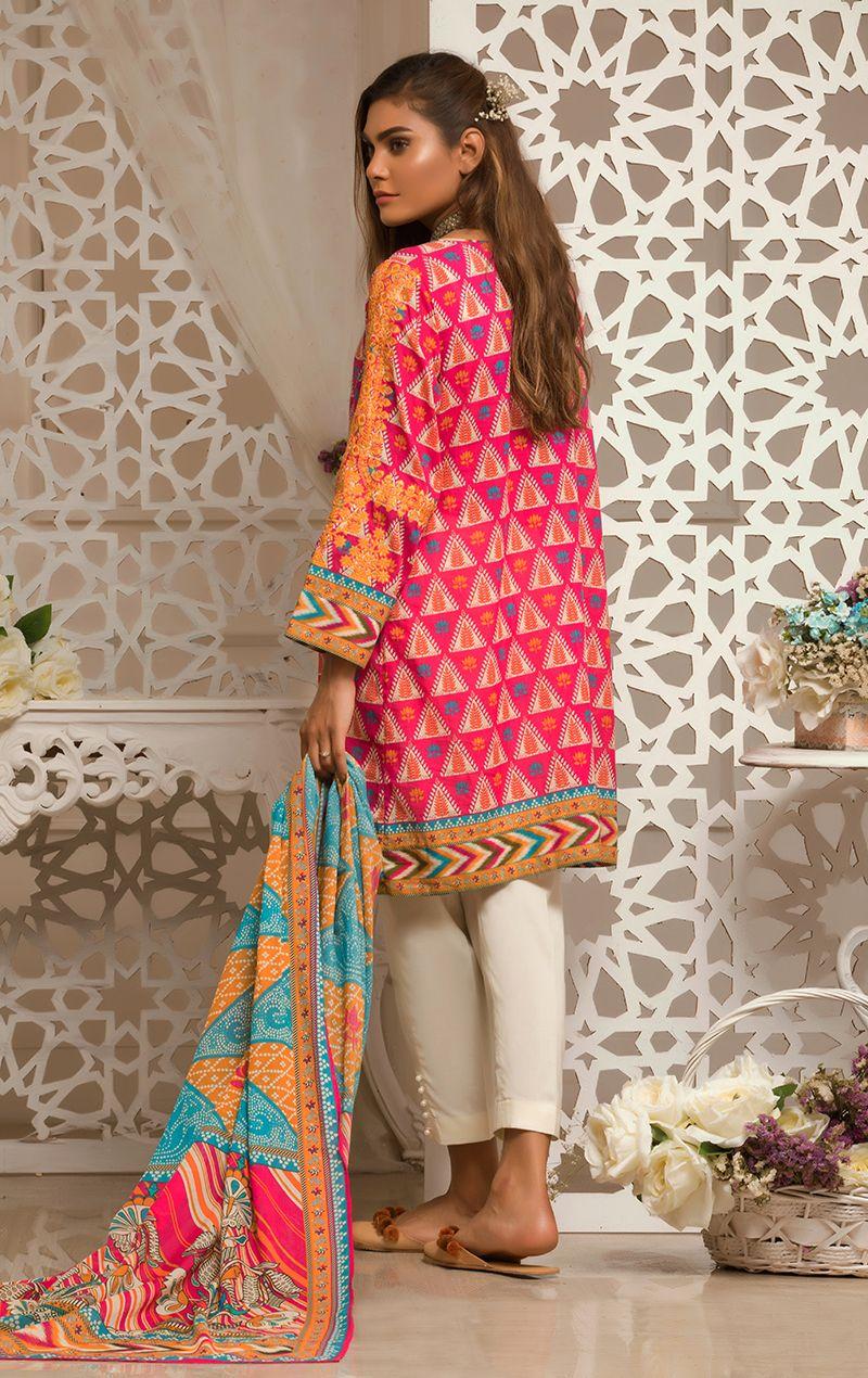 4b83d65908 Oaks Elnaz Festive Collection 2018 Pink 3PCs Lawn Dupatta-OLE-3088-B with  model Zara Abid