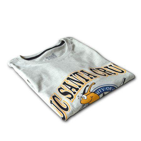 Pulp Fiction - UC Santa Cruz Banana Slugs- Esta camiseta você encontra na Cutscene: www.cutscene.com.br • Pulp Fiction - Vincent Vega - cutscene • camisetas • pulp fiction • movies • cinema • camiseta • filme • john travolta • quentin tarantino • santa cruz • banana slugs • Tshirt