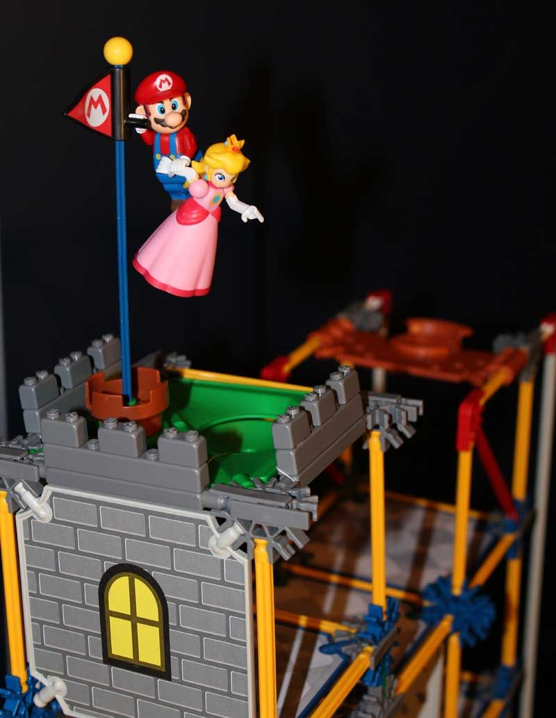 Mario Rescuing Peach Epic Mario Bowser S Castle Le
