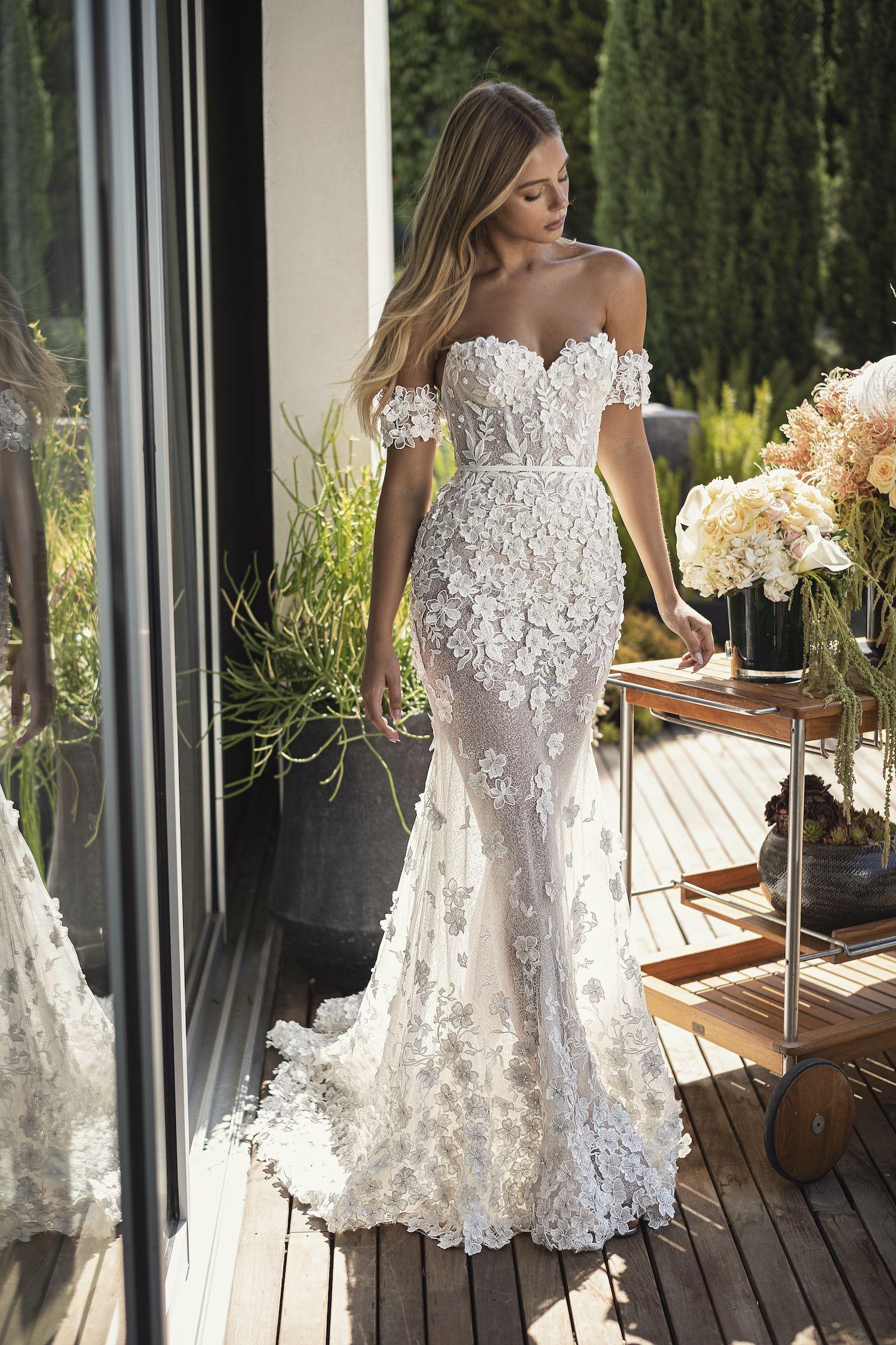 Lee Grebenau Ss2021 Bridal Collection Jamie Wedding Gown Long Train Wedding Dress Bridal Dresses Wedding Dresses [ 2400 x 1600 Pixel ]