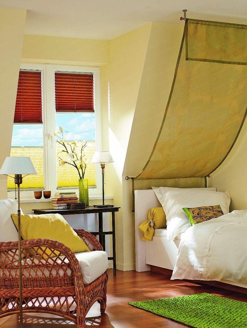 Sonnenschutz fürs Gaubenfenster in 2020   Wohnen, Schlafzimmer dachschräge und Räume mit ...