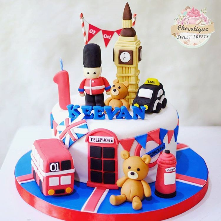 Swell London Birthday Cake With Images London Cake Themed Cakes Cake Birthday Cards Printable Trancafe Filternl