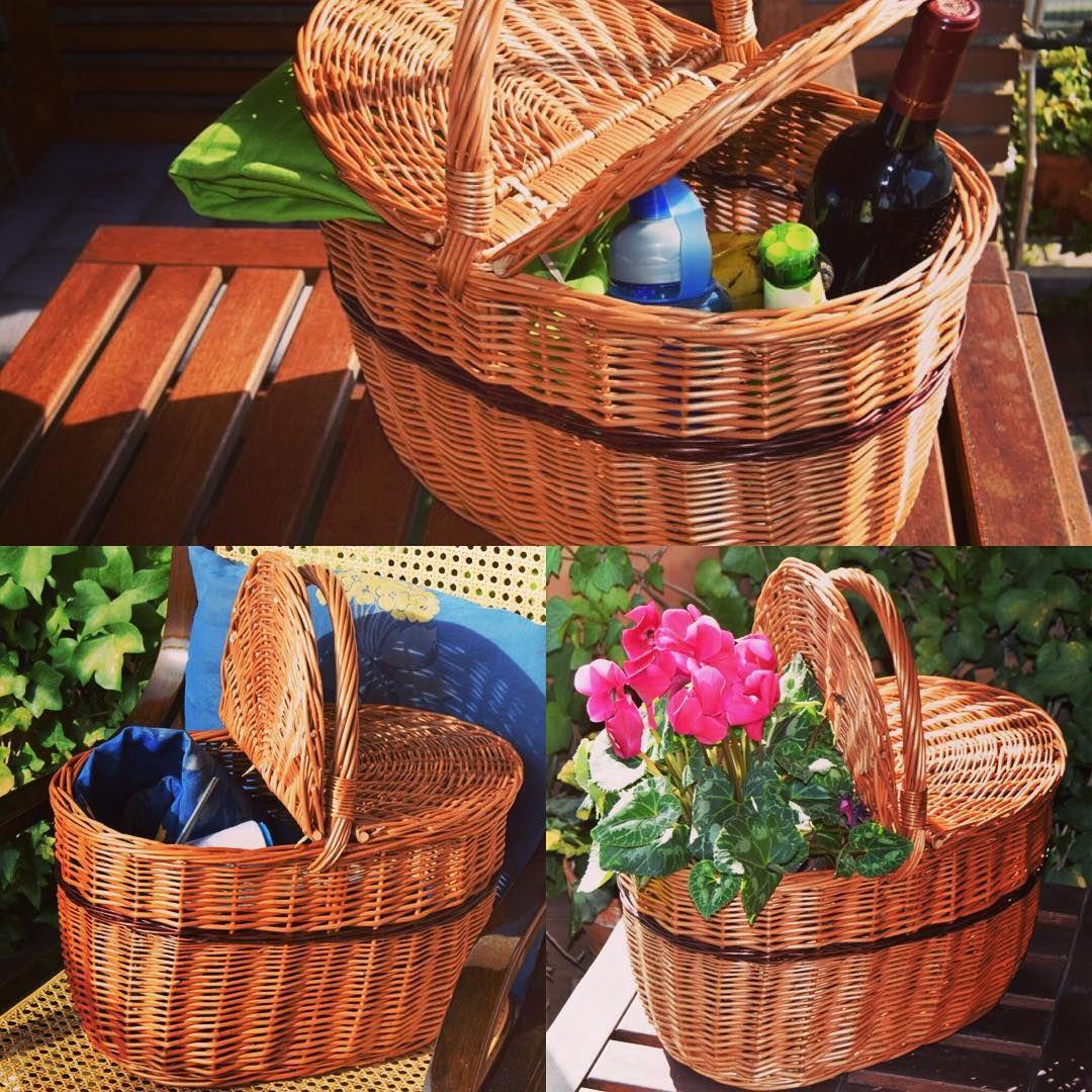 Esta cesta de Caperucita de @cestashome fue diseñada como cesta para setas. Es una cesta con asa y doble tapa. Pero, cuando no es época de recolección, resulta perfecta como costurero o para ir de picnic. Es una cesta de Cestas Home, con la calidad de las cestas artesanales de España.