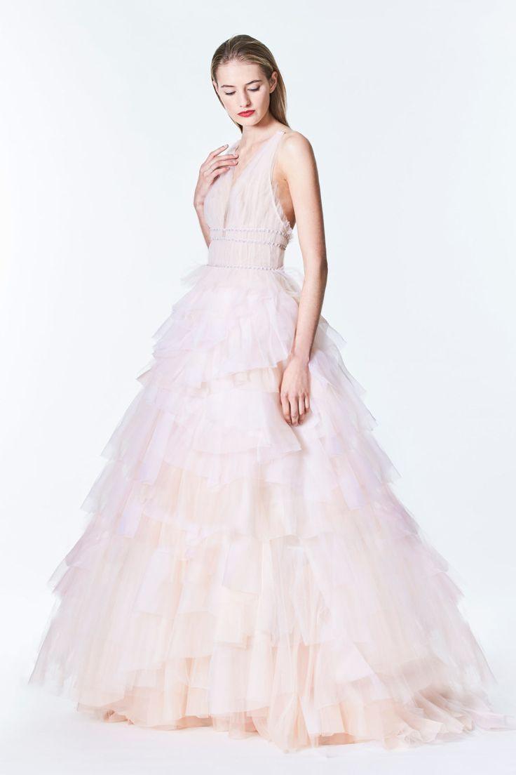 Tendance robe de mariée blush ruffled monique lhuillier