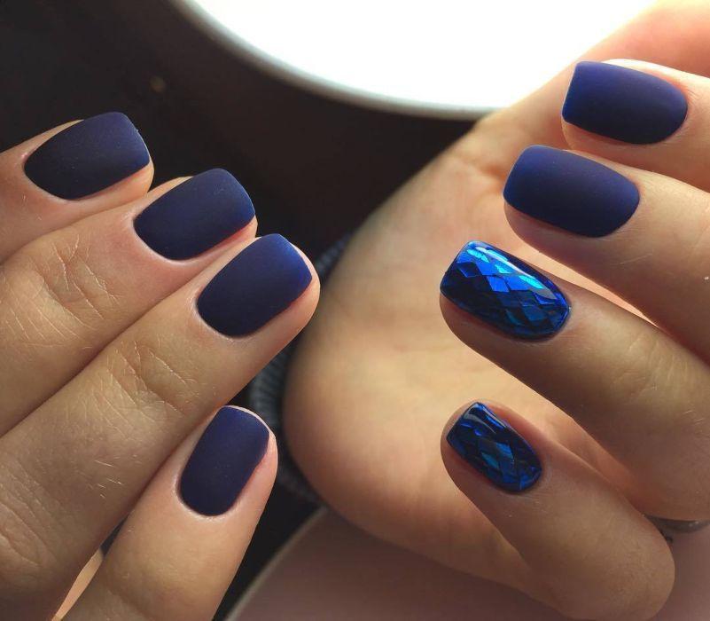 100 модных новинок: Маникюр на короткие ногти 2020 - фото