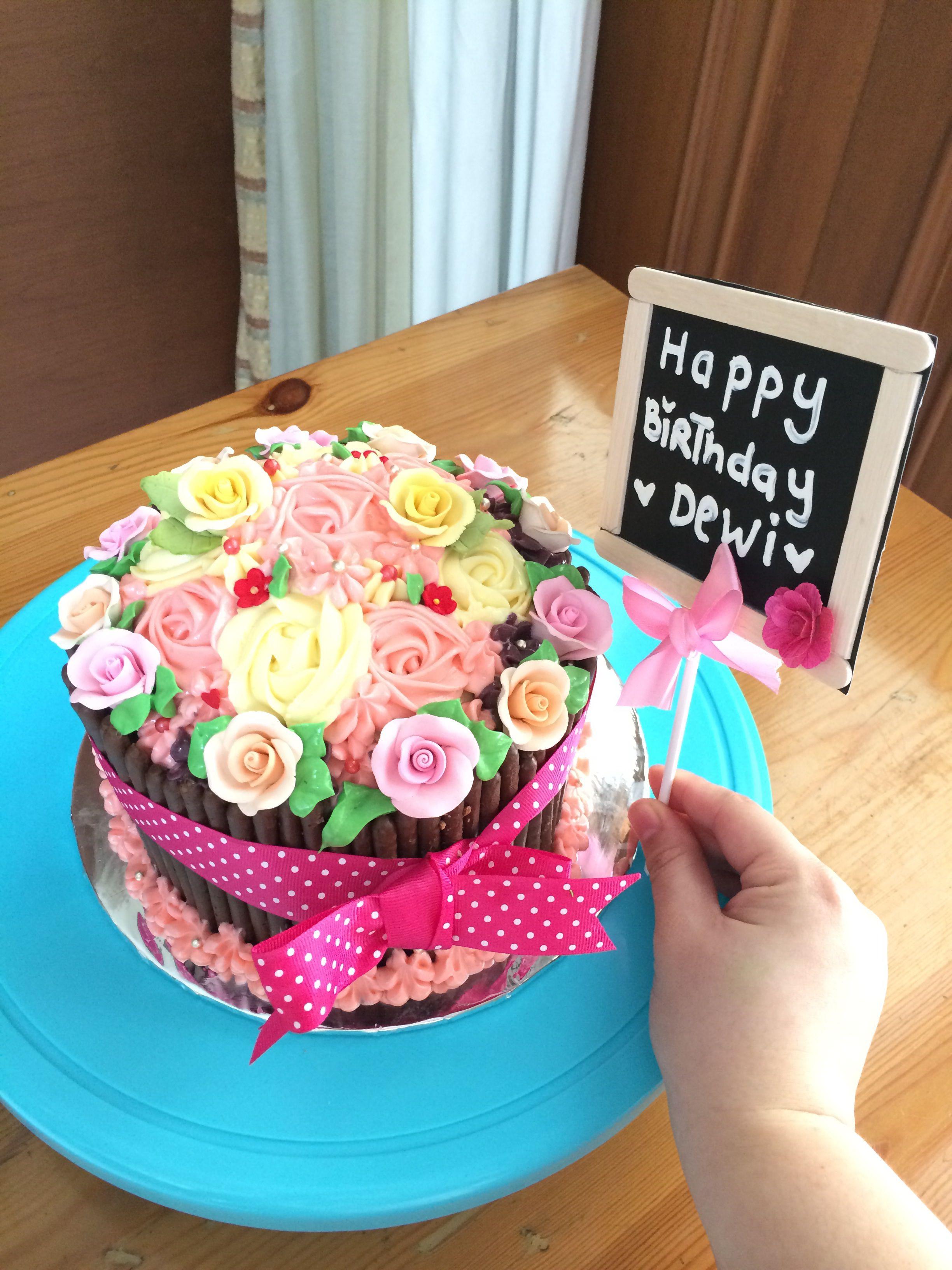 Giant cupcake with rose swirls