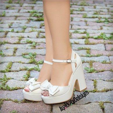 Papi Beyaz Fiyonklu Kalın Topuklu Ayakkabı #shoewedges