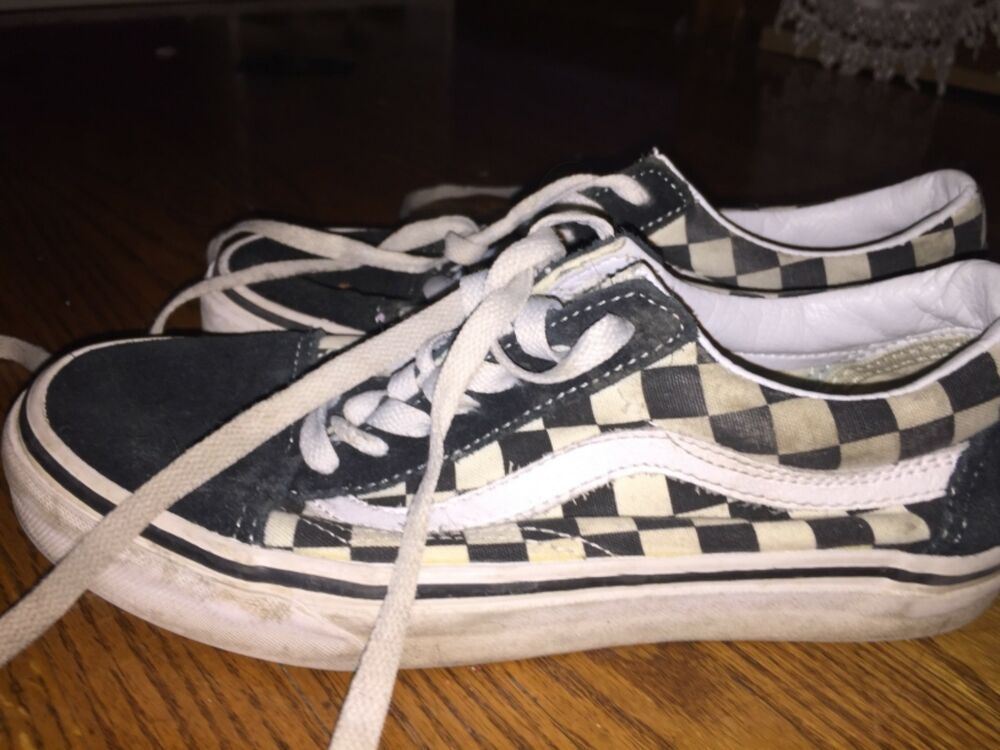 Old Skool checkered Vans size 5 (womans