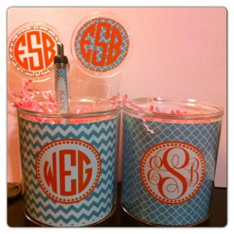Cute place for teacher gifts! Love these adorable pencil cups!