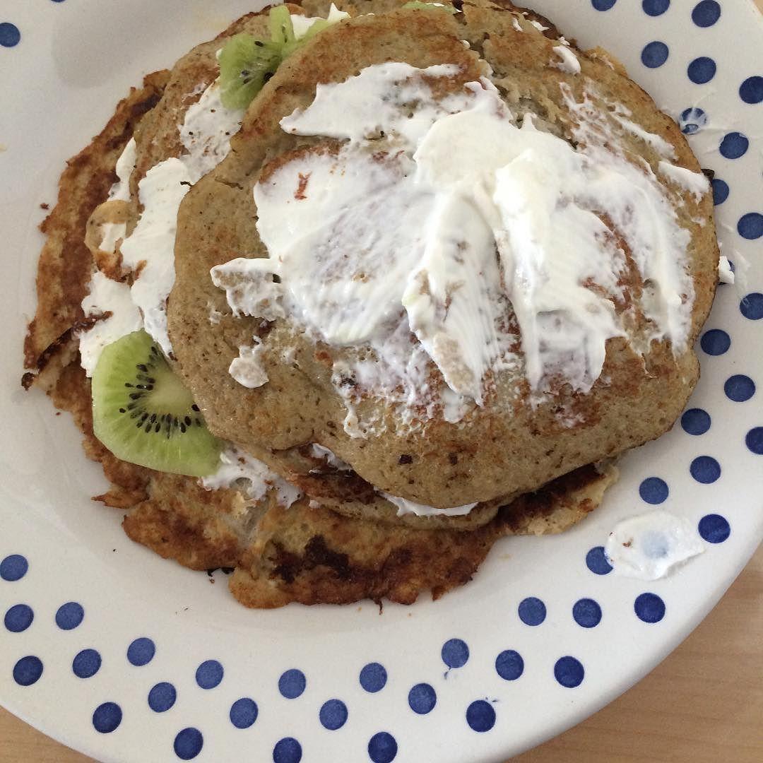 Sieht nicht so toll aus dafür aber lecker   #bananenpancakes #quark #kiwi  7/39#yummi #gesund #abnehmen #abnehmenohnezuhungern #abnehmtagebuch #abnehmen2016 #ernährungsumstellung #gesundabnehmen  #tumblrfood #weightwatchers #breakfast #Frühstück #lowcarb #nocarb #healthy by michwohlfuehlen_lowcarb