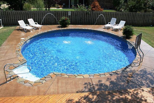 round above ground pools with decks outdoor decore pinterest pool dusche und g rten. Black Bedroom Furniture Sets. Home Design Ideas