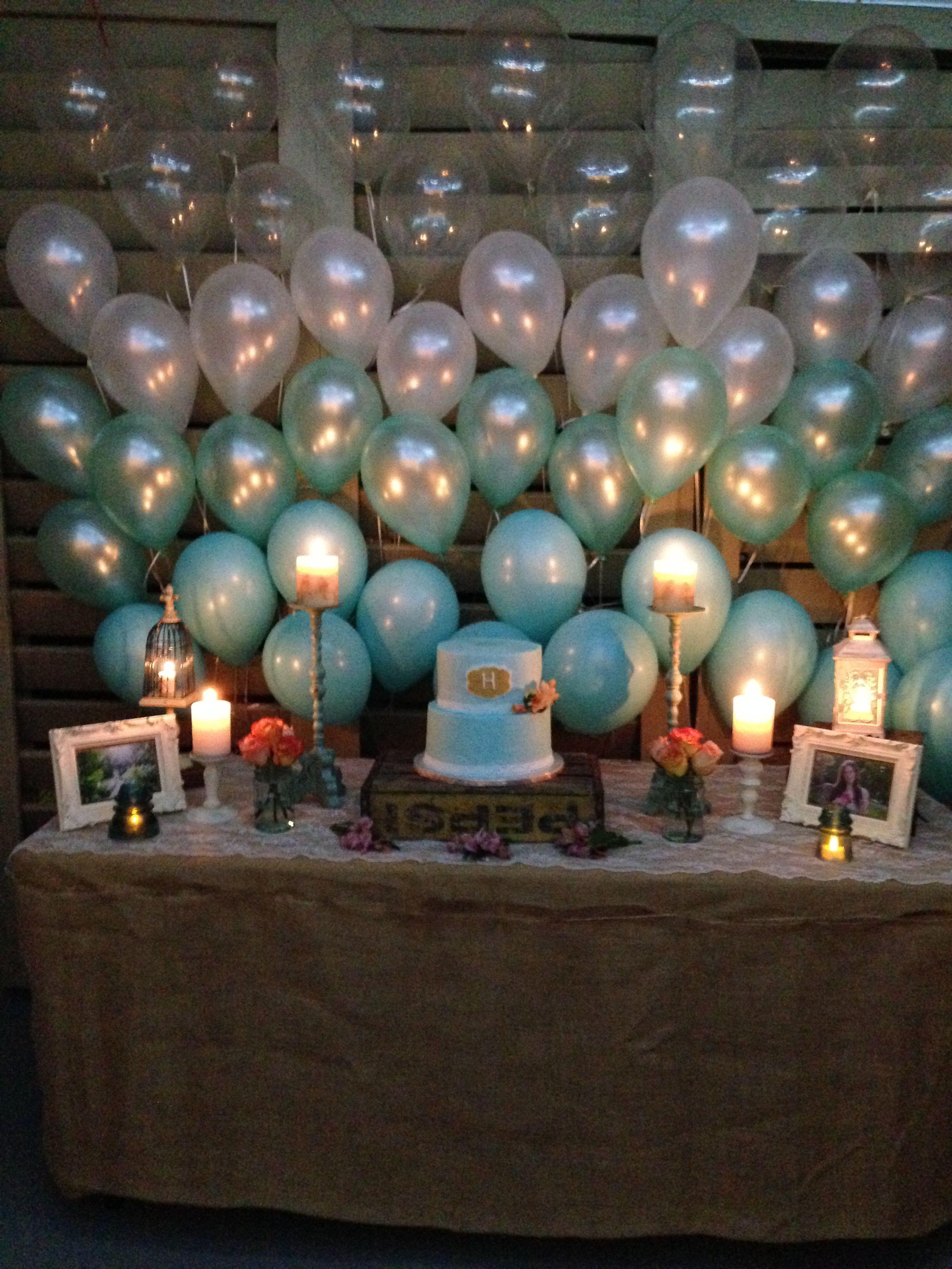 Ombrè balloon cake table