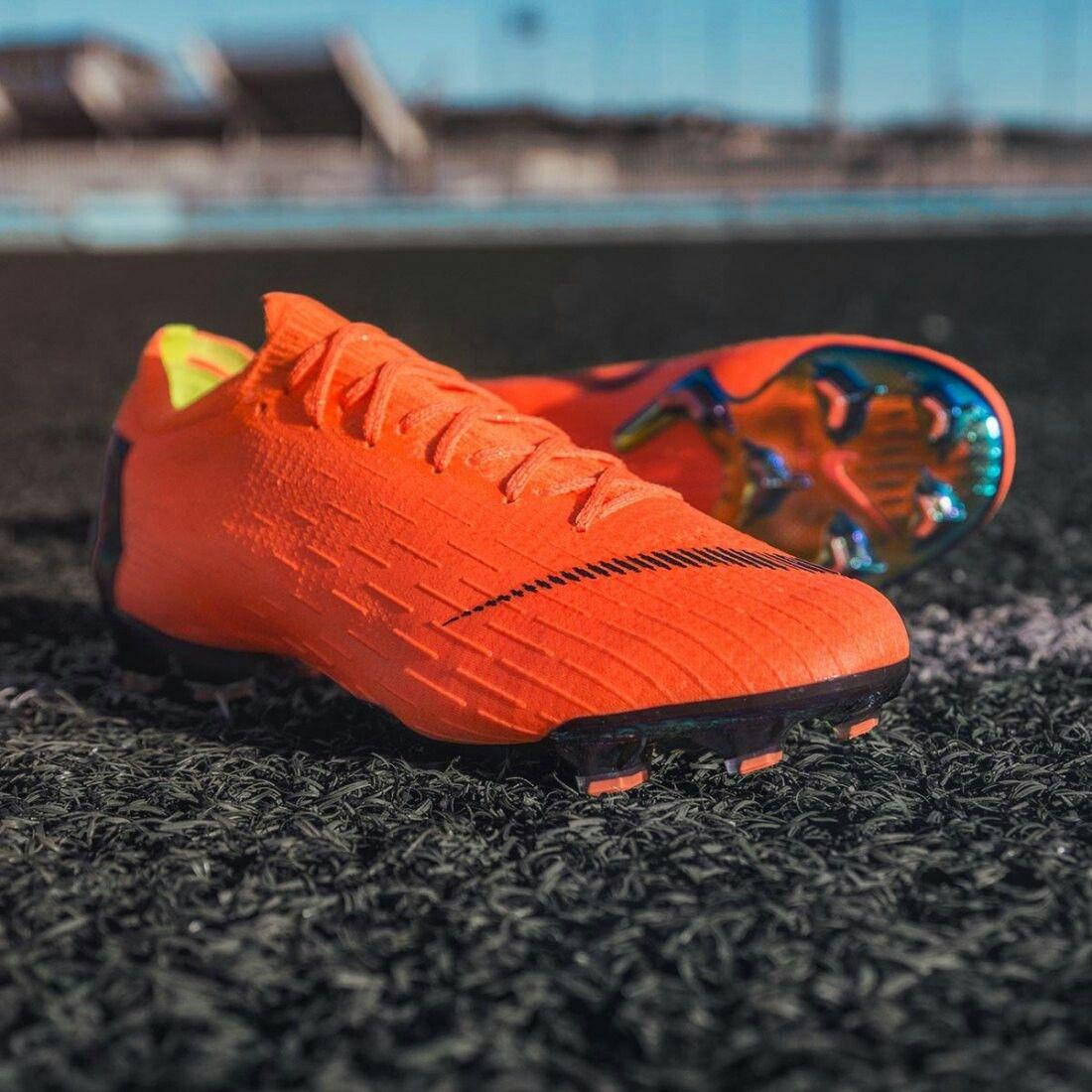 grupo Incorrecto Novedad  Pin by Jeet Choksi on Football Boots | Football boots, Nike football boots,  Soccer boots