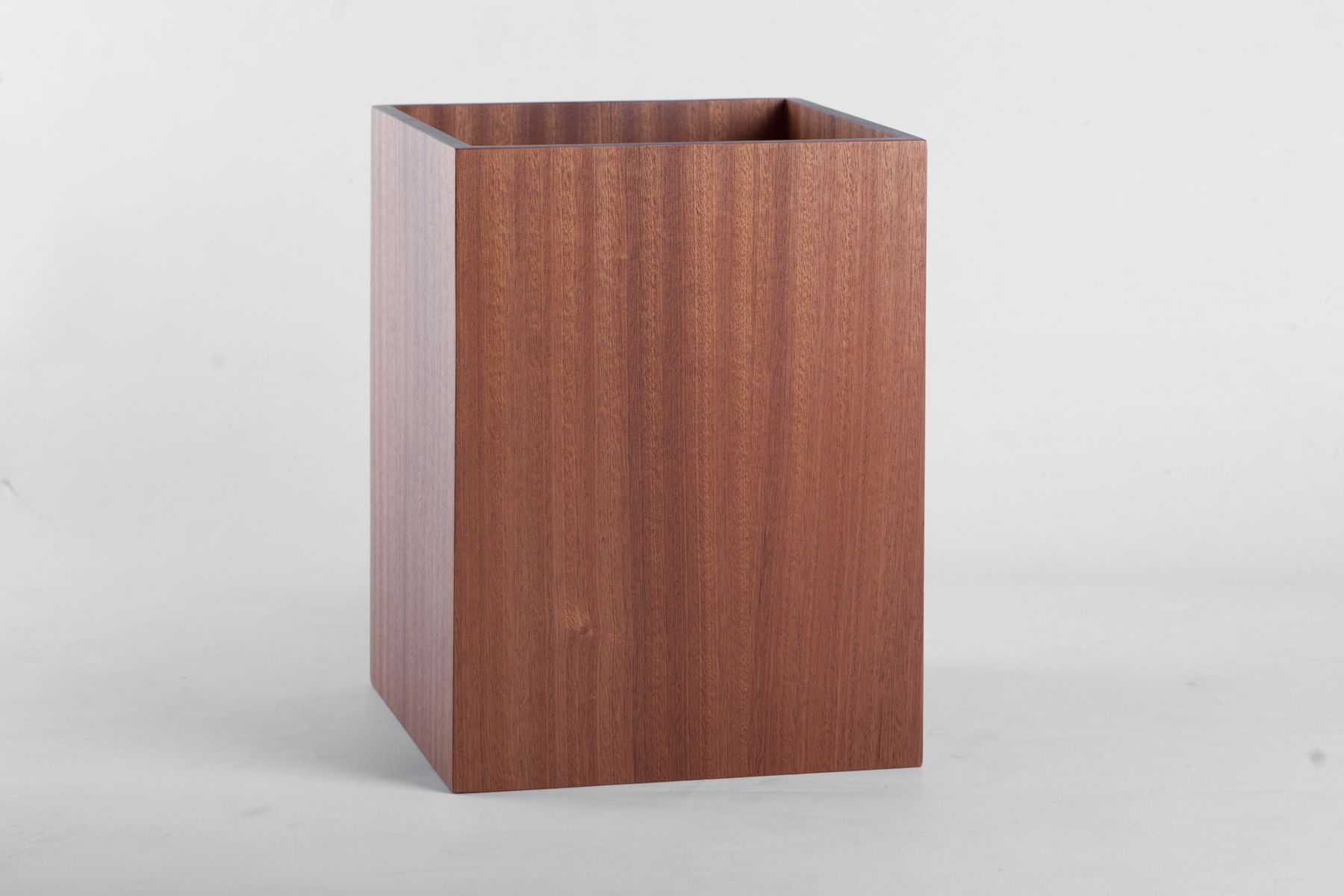 Square waste bin - our stylish bin creates the perfect and essential finishing touch to your room.  H 30cm x W 23cm x D 23cm