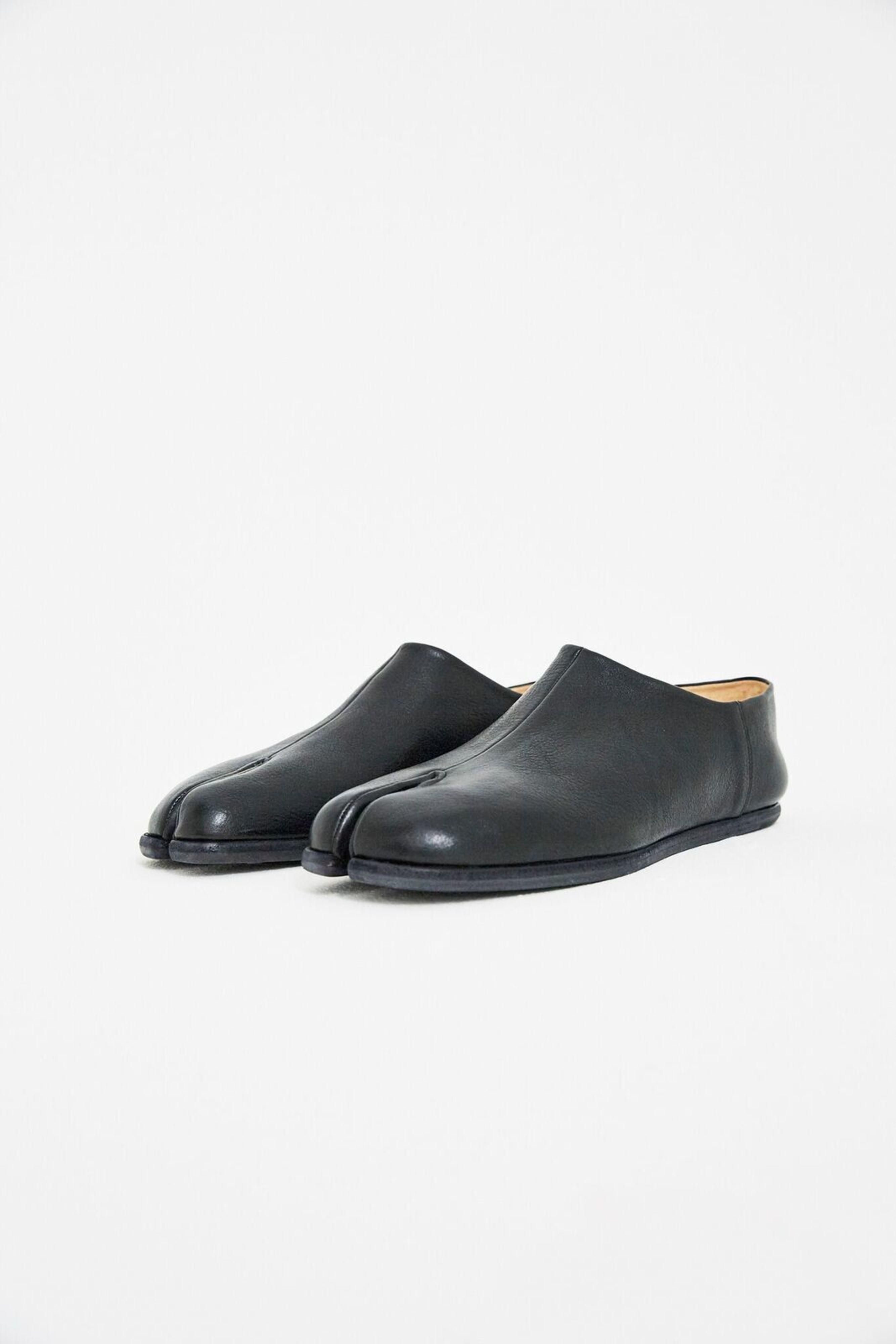 d4880c1a588ec Men's Black Leather Tabi Moccasins | Winter | Moccasins mens, Black ...