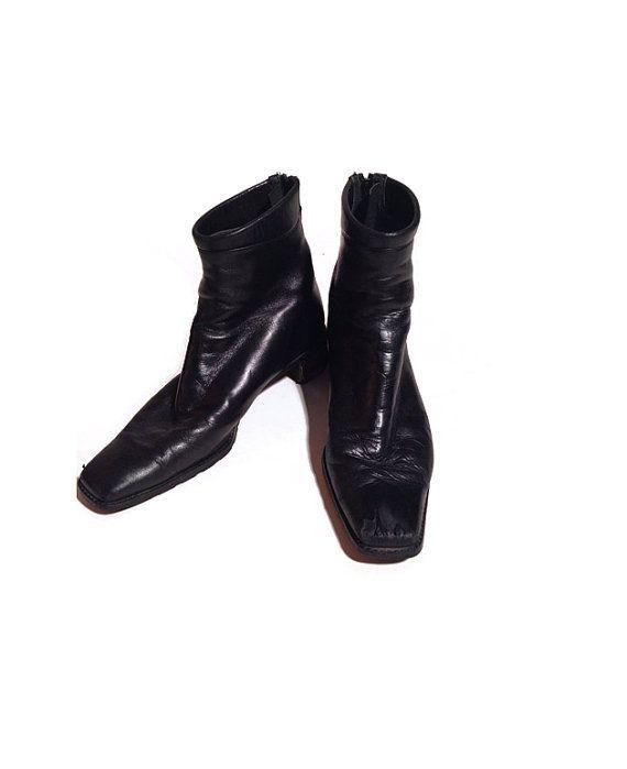 4b20c112a46 Vintage 1990s Ankle Black Square Toe Beetle Boots size 8