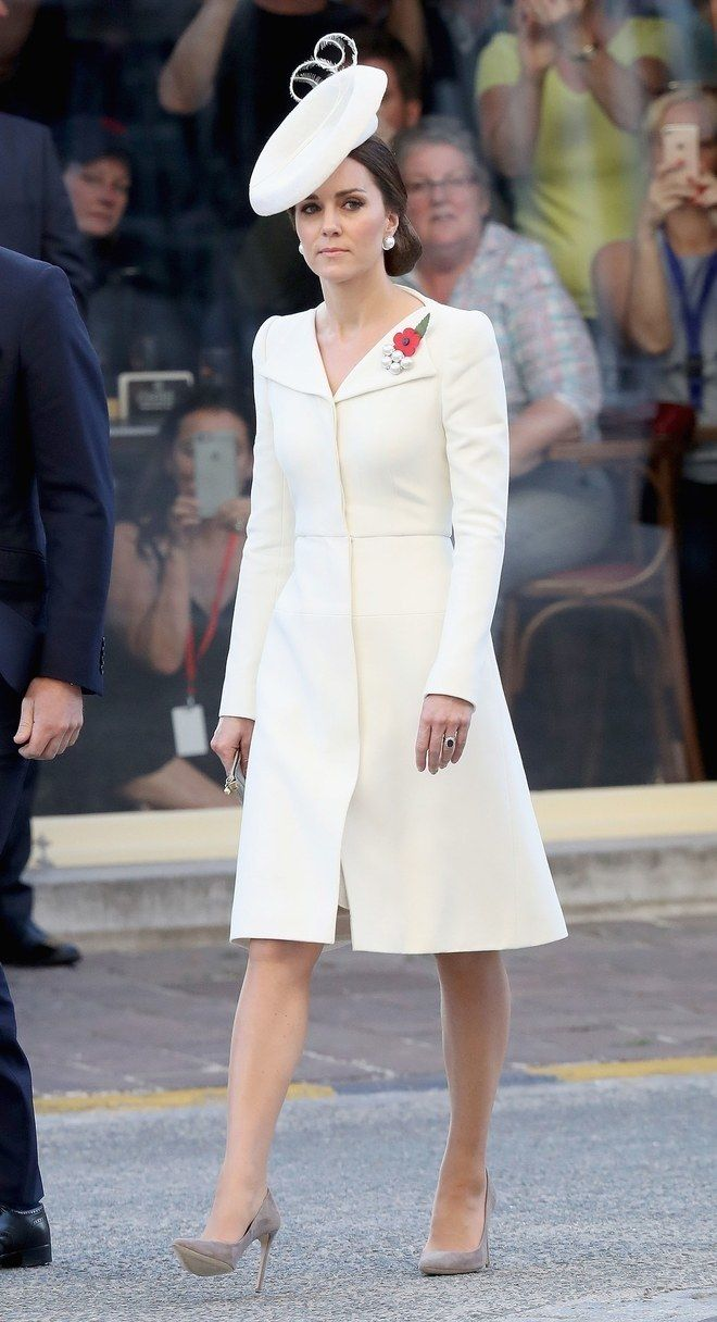 Kate Middleton Loves A Little White Dress These Are Her 9 Best Kate Middleton Princess Kate