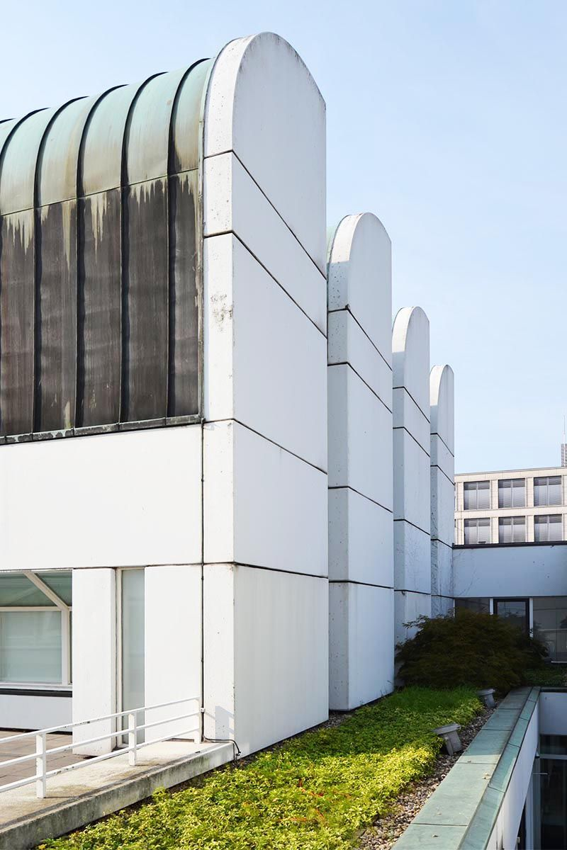The last gropius legacy the bauhaus archive for Arquitectura moderna caracteristicas