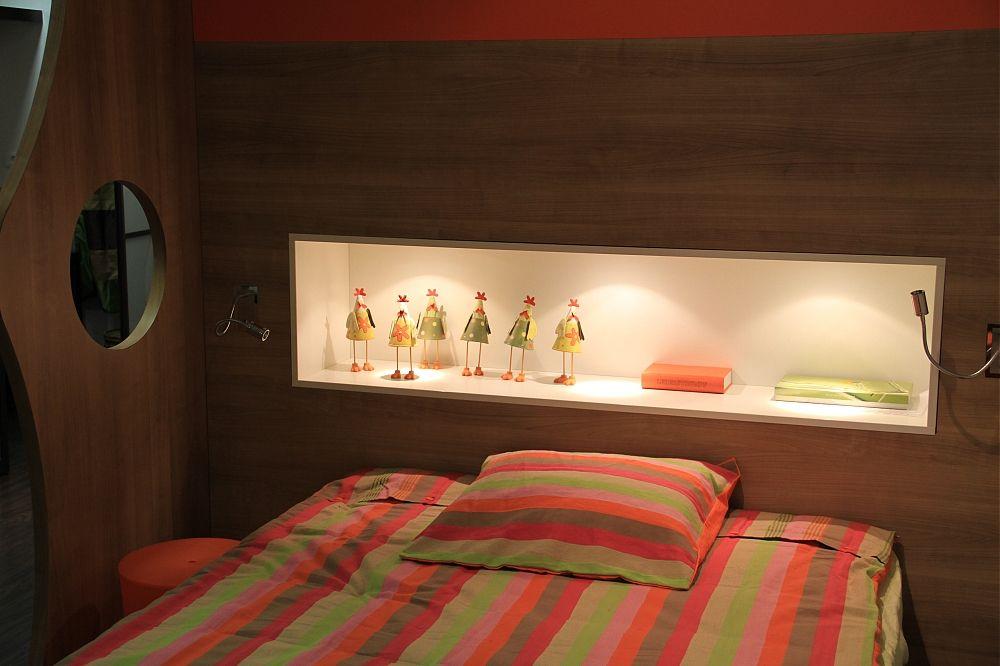 Tete de lit avec niche leds agencement plakar concept for Agencement chambre adulte