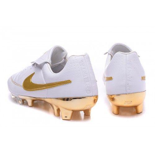 b354c5d44 Nike Tiempo - Chuteira De Campo Nike Tiempo R10 Ronaldinho FG Mens Branco  Dourado