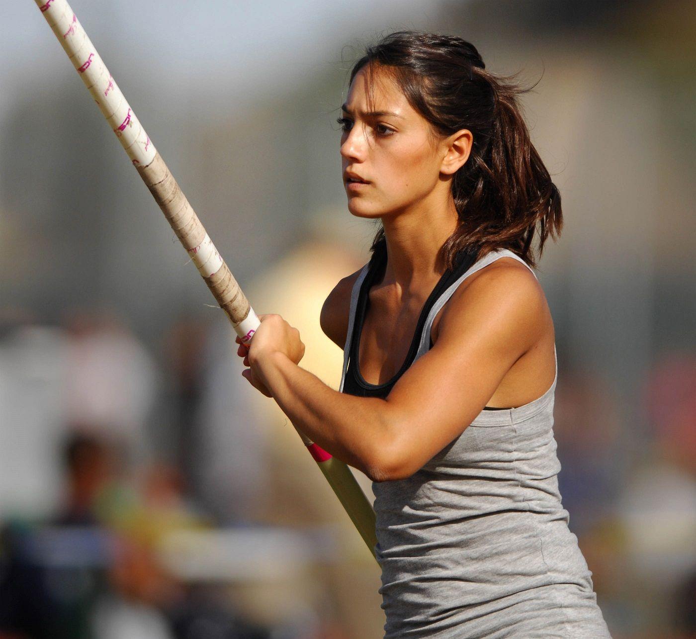 Gorgeous Pole Vaulter Allison Stokke Pose for Athleta - Page 5