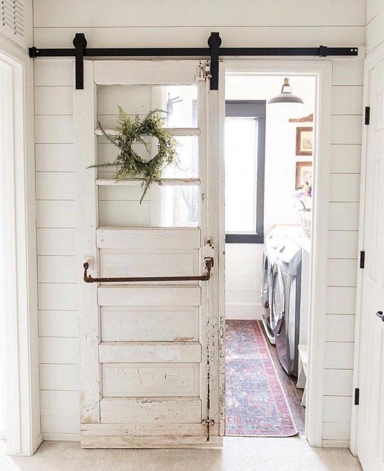 Double sliding barn door hardware sliding hanging door