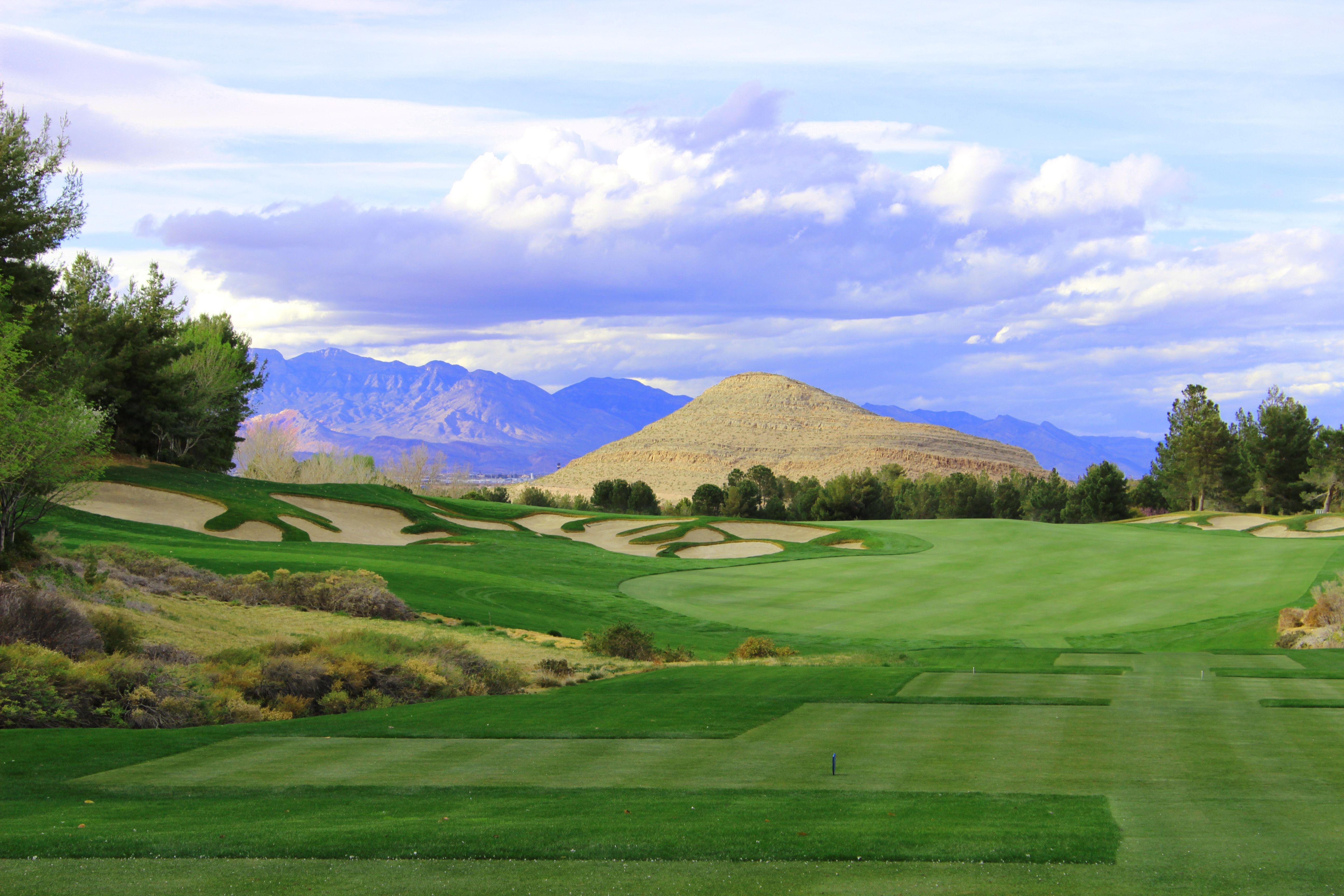 Golf In Beautiful Southern Highlands Lasvegas Www Findinghomesinlasvegas