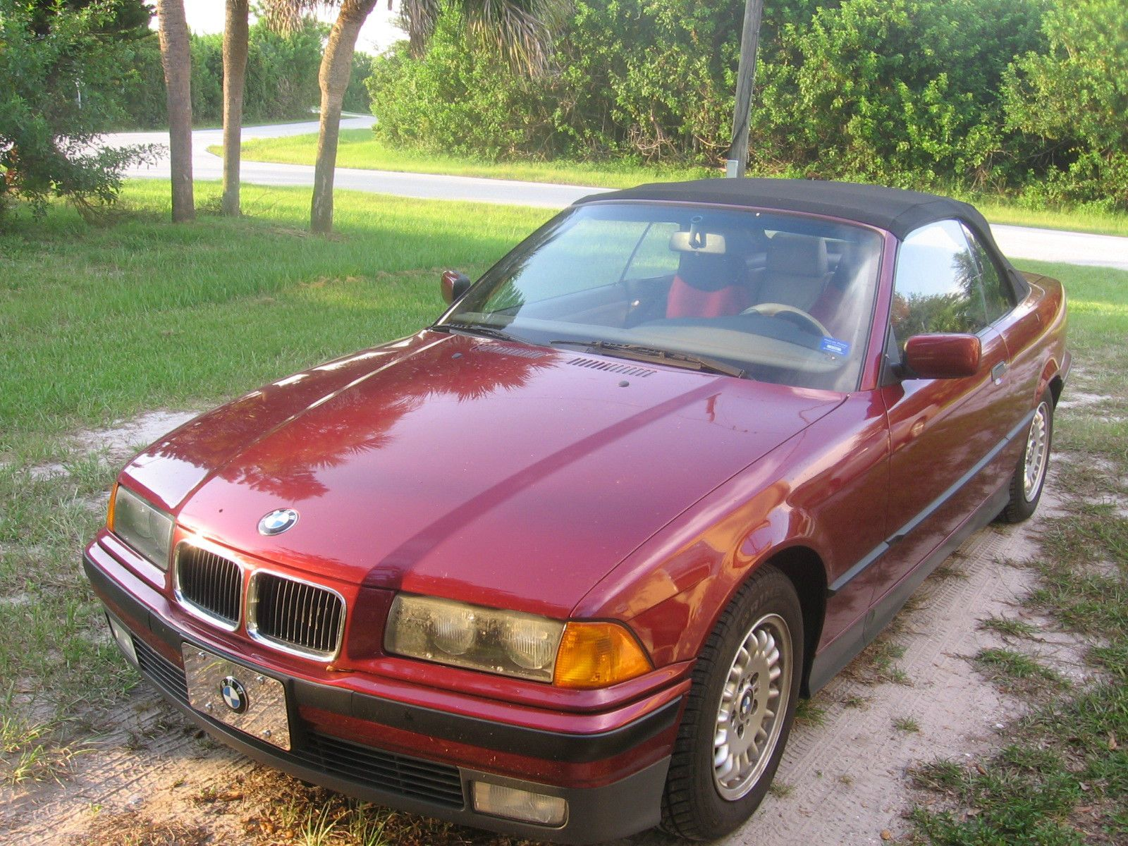 Car Brand Auctioned:BMW: 3 Series Base Convertible 2 Door 1994 Car