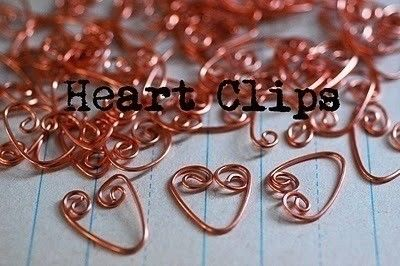 How to make a paperclip. Heart Clips For Your Huny! - Step 1