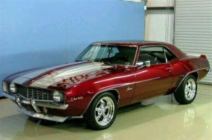 Wowzas! I quite enjoy this paint color for this red chevy camaro #redchevycamaro