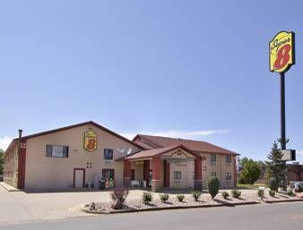 Pet Friendly Accommodation Super 8 Longmont Del Camino Colorado Located In Firestone 46 Km