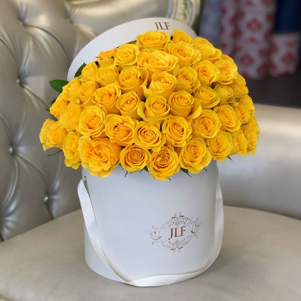Signature 50 Yellow Rose Box JLF Fresh Roses in Los