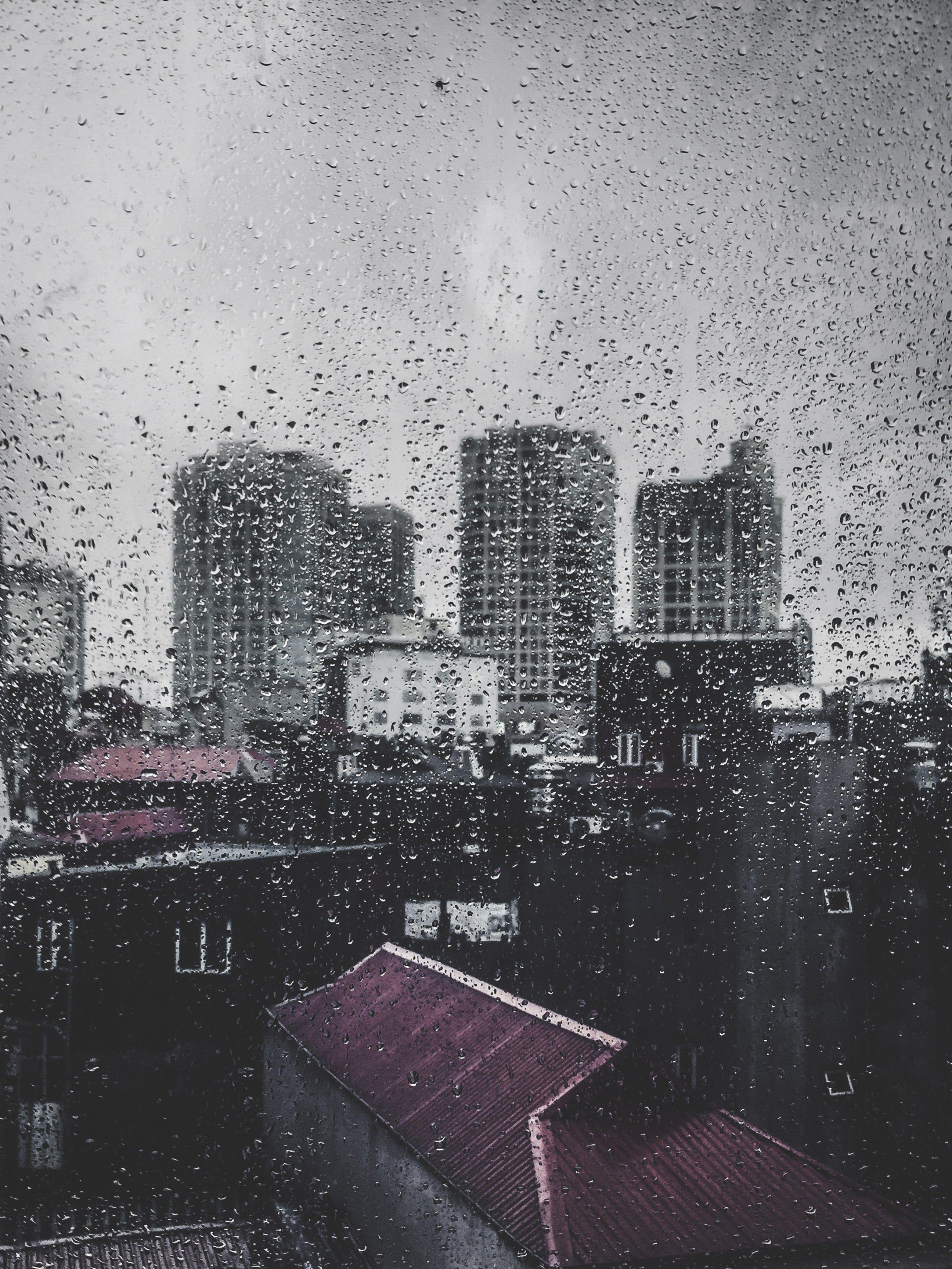 данной картинки дождя в городе из окна сделал это