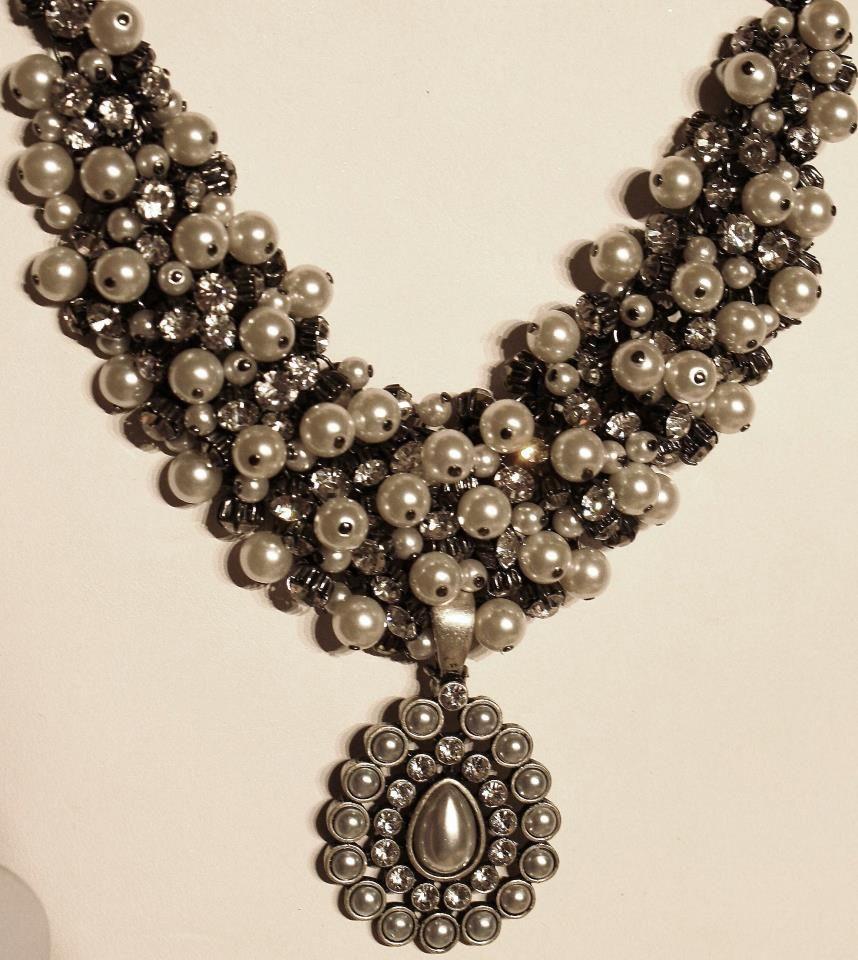 Premier Designs Jewelry HIGH STYLE White Enamel Enhancer Pendent