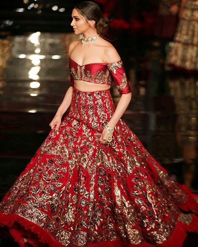 Red Deepi😍🔫 @deepikapadukone in 2020   Deepika padukone style
