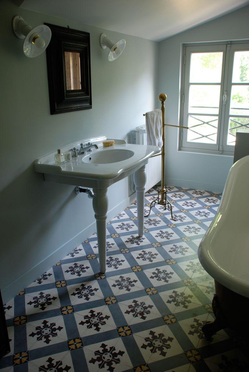 Chez Fred Et Sarah Living Spaces Pinterest Interiors Bath And - Fred's floor tile