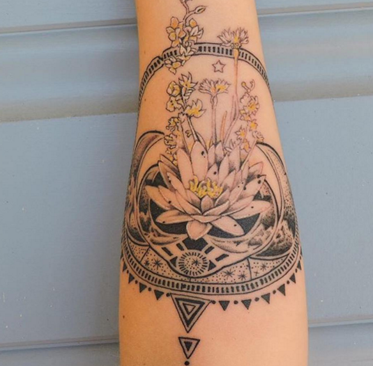 18 Totally Zen Yoga Tattoos to Keep You Centered
