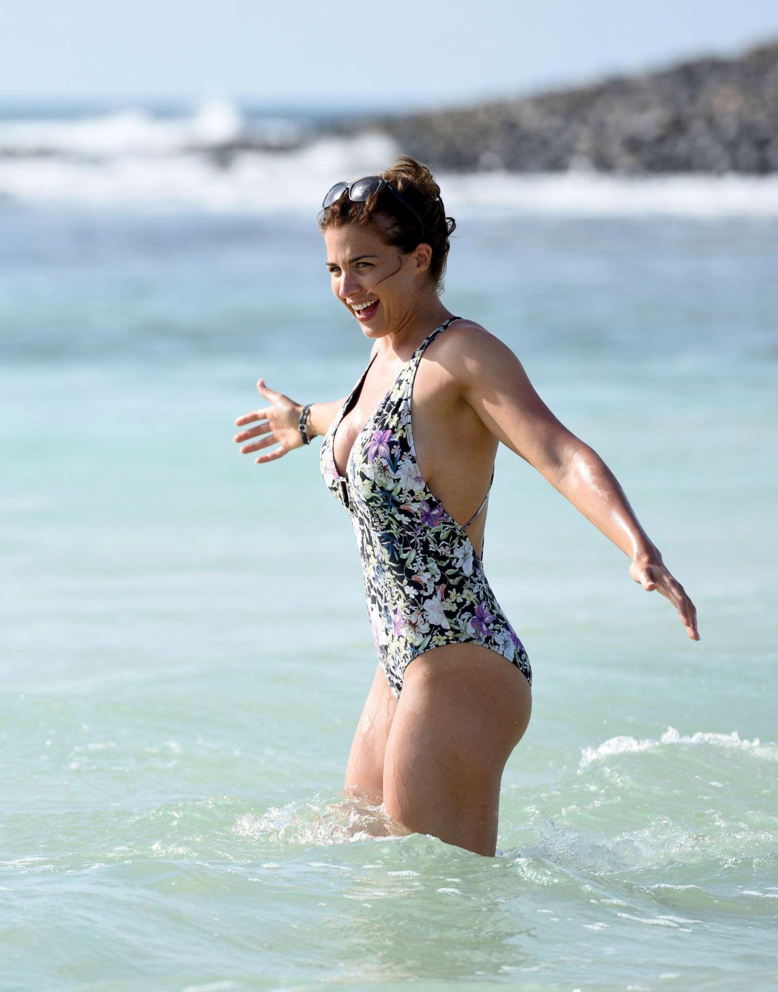 Watch Elizabeth Marxs Topless - 27 Photos video