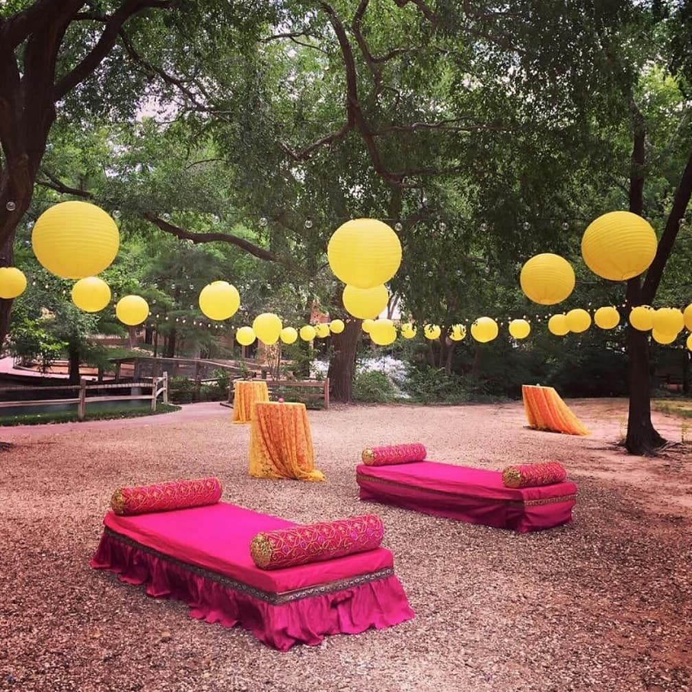 Outdoor Wedding Seating Ideas: Pin By Ajith Kumar On Wedding Decor In 2020