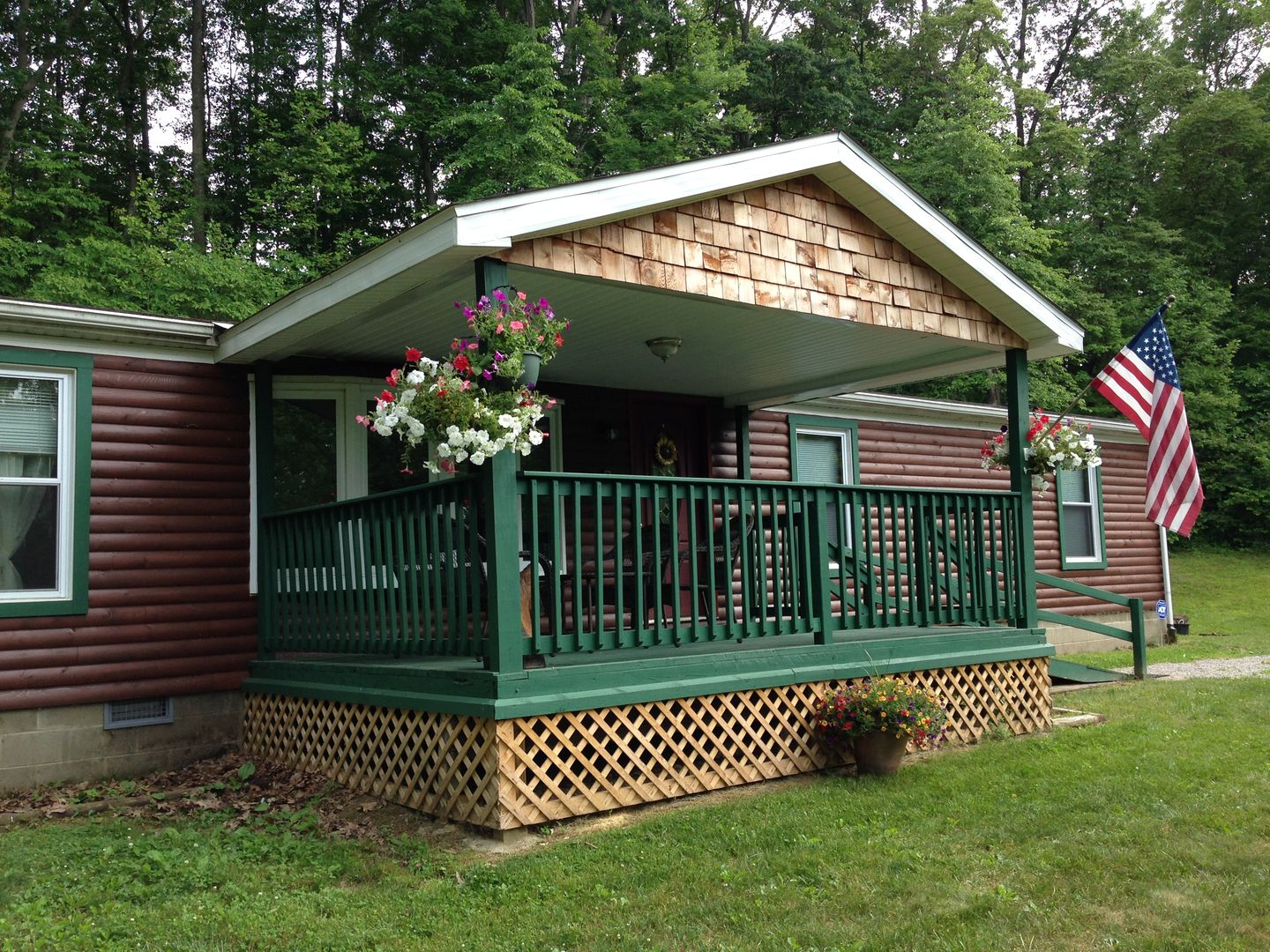 with by poconos frt rentals for weekend cabins hot tub pool cabin owner private houe lakefront rent pocono house