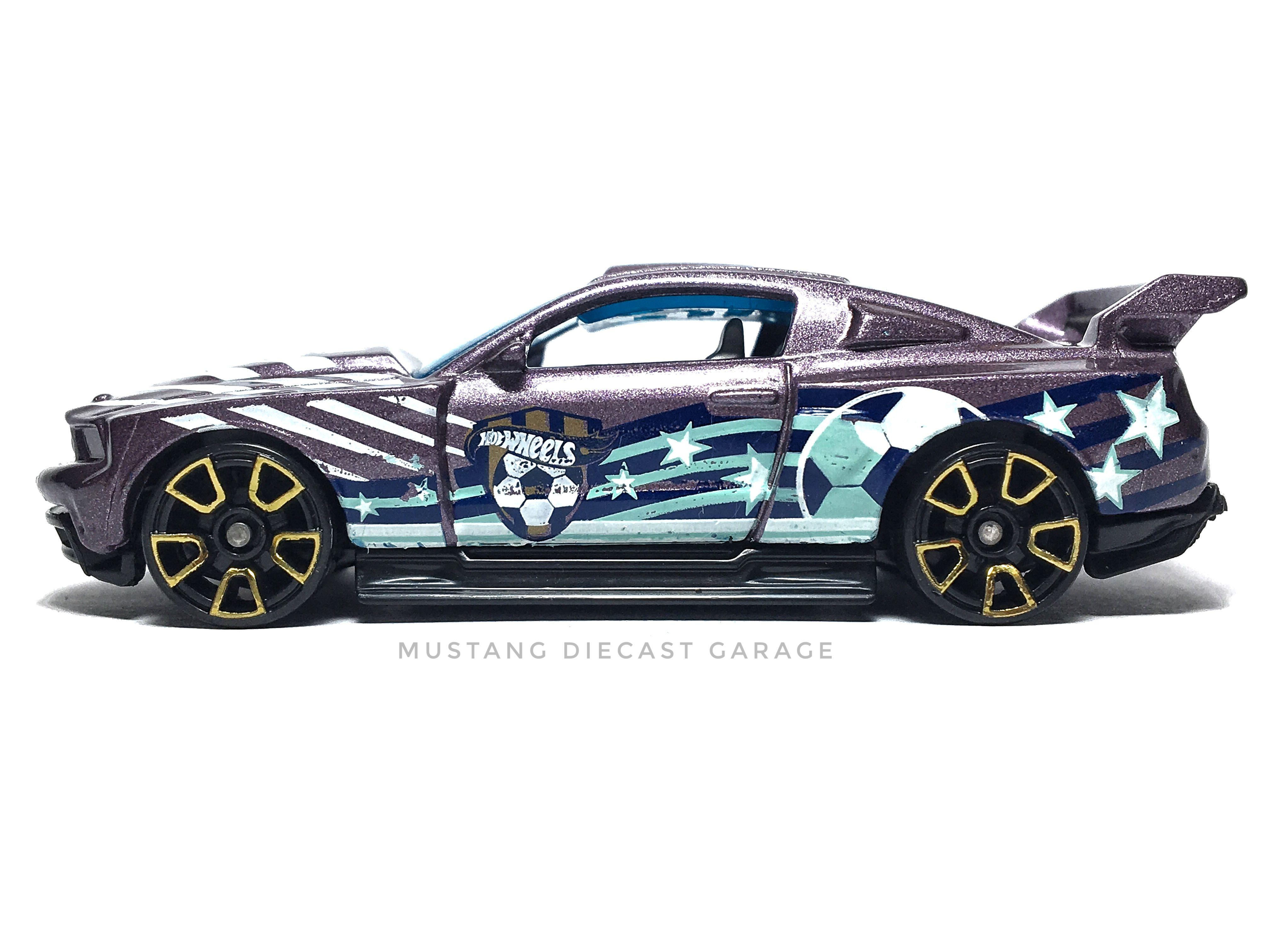 Hot Wheels Custom 12 Ford Mustang Series 2014 Hw City ส ม วง 1